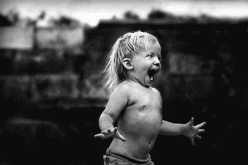 """Sony World Photography Awards 2015: YEEHAA! Wenn wir Erwachsenen doch auch noch zu so viel Begeisterung fähig wären! Der Titel des Fotos: """"Ausgelassenheit""""."""