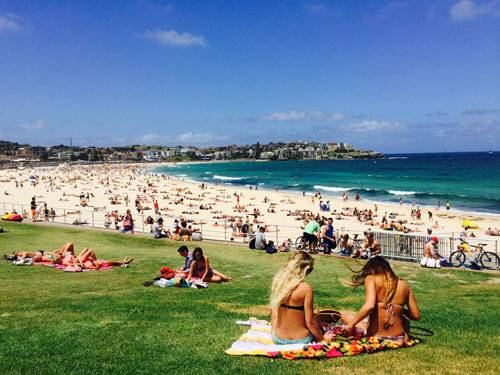 """Sony World Photography Awards 2015: Aus der Kategorie """"Kultur"""". Oder vielleicht aus der Kategorie """"Hier-wären-wir-jetzt-auch-gern""""? Ein Sommertag am Bondi Beach in Sydney."""