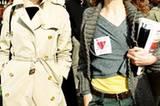 """Stars: """"Ich hoffe, dass meine Kinder meine Sexszenen im Film nicht sehen. Andererseits: Meine Mutter hat so was auch gedreht, als ich klein war, und ich habe es überlebt."""" Die französische Schauspielerin Charlotte Gainsbourg, 43, über ihre Mutter Jane Birkin, 68, Schauspielerin und Sängerin, vor allem bekannt für ihren Hit """"Je t'aime. . . """""""