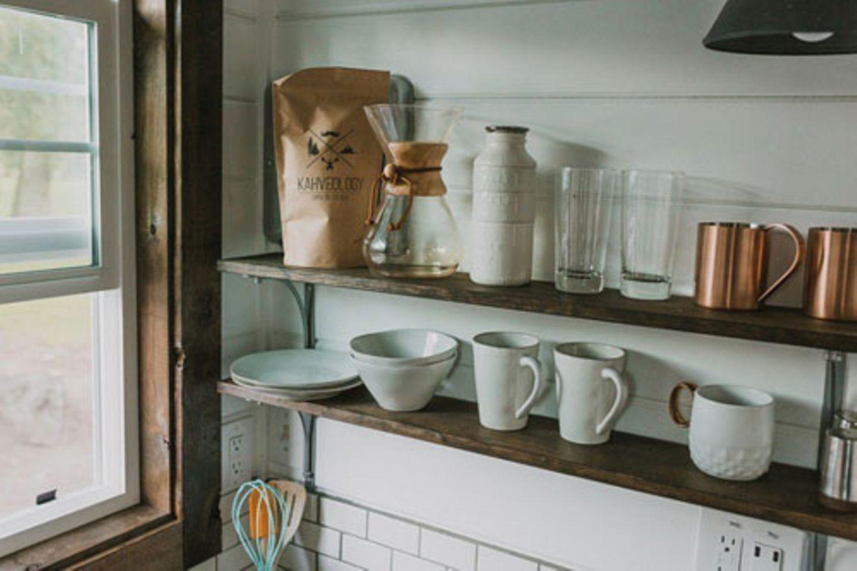 Regale in der Küche
