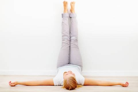 Yoga gegen PMS - 11 entspannende Übungen