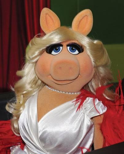 Miss Piggy im Marilyn-Monroe-Look bei der Filmpremiere in LA