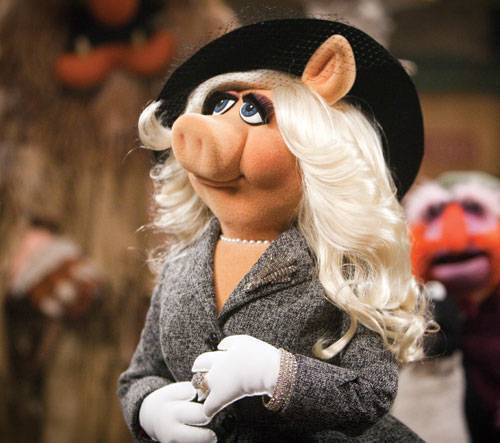 Miss Piggy mit Hut