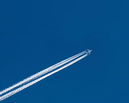 Überschall-Jet fliegen