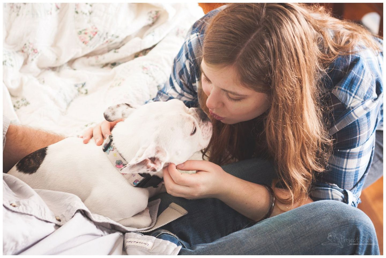 Natürlich lässt so eine Produktion auch die Fotografin selbst nicht kalt. Gerade am Anfang fühlte sie sich beim Fotografieren schmerzhaft daran erinnert, dass sie selbst keine Chance hatte ihren eigenen Hund Cleo so zu fotografieren.