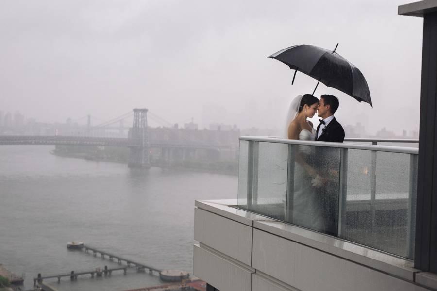 Gewitter-Hochzeit: Grau als Hintergrund für eine Hochzeit? Warum nicht!