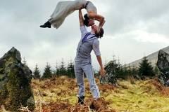 """Dieses Akrobaten-Paar sagt """"Ja"""" in 11 Ländern"""