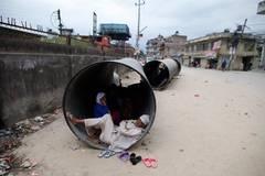 Das Hauptproblem ist der Mangel an sauberem Trinkwasser: Die Wasserversorgung ist zusammengebrochen, trinkbares Wasser ist rar geworden. Von sanitären Einrichtungen ganz zu schweigen.