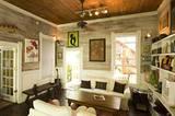 """Gleich nebenan: das """"Key West Bed & Breakfast"""", von einer Künstlerin bis in die hinterste Ecke mit viel Liebe und tollen Farben gestaltet."""