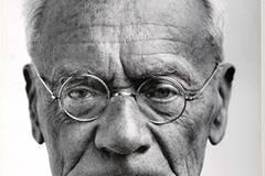 Fotografie und Individuum. Porträtkonzepte 30. Januar bis 4. April 2010 Die Ausstellung zeigt Werke von Fotografen wie David Octavius Hill, August Sander und Otto Steinert, die sich dem Porträt in besonderer Weise widmeten. Otto Steinert: Bildnis Karl von Frisch, Zoologe, 1961, Fotografische Sammlung Museum Folkwang, Essen.