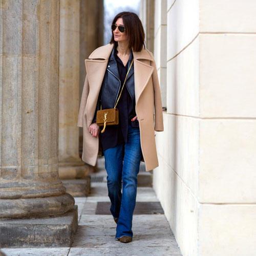 Streetstyle: Golestaneh ist Königin des Lagenlooks - Mantel über Lederjacke ist im Januar genau die richtige Idee.