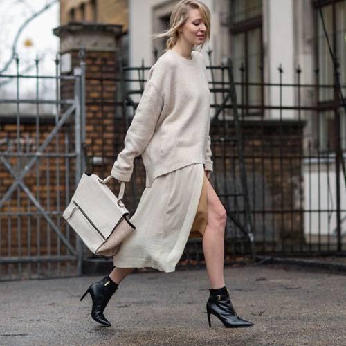 Streetstyle: Beige zu Beige zu Beige - ein classy Look, der das Auge beruhigt.