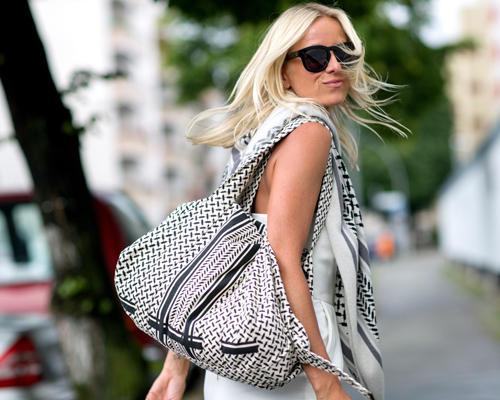 Streetstyle: Diese Tasche werden wir mit Sicherheit öfters sehen - sie stammt ebenfalls von Lala Berlin und wurde schon an verdächtig vielen Blogger-Armen gesichtet.