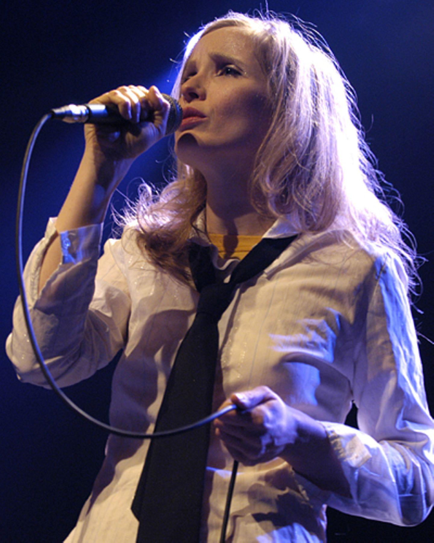 Singen kann sie auch noch: 2003 veröffentlichte Julie Delpy ein Album mit englischen und französischen Chansons - natürlich selbstgeschrieben.