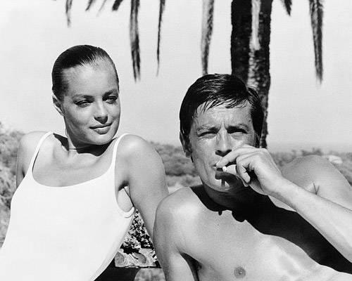 Filmlegende: Romy Schneider und Alain Delon führen eine leidenschaftliche und sehr schwierige Beziehung. Als sich Delon 1964 von ihr trennt, fällt Romy Schneider in ein dunkels Loch und versucht, sich das Leben zu nehmen.