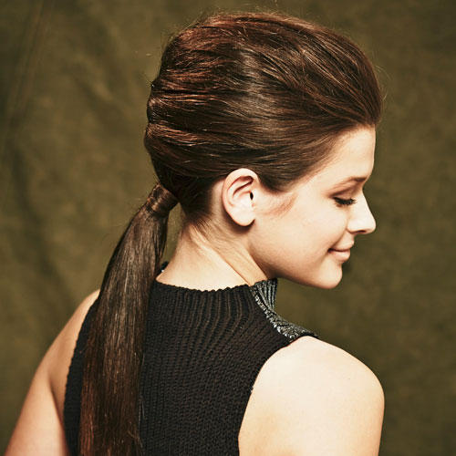 Frisuren: Weihnachten und Silvester stehen vor der Tür: Die elegant eingeschlagene Frisur ist der perfekte Begleiter für festliche Anlässe.