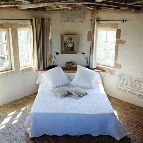 """Zimmer im Bed&Breakfast """"La Tour du Trésorier"""" in Tournus"""