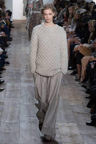 Der Trend vom Laufsteg: Weite Hosen