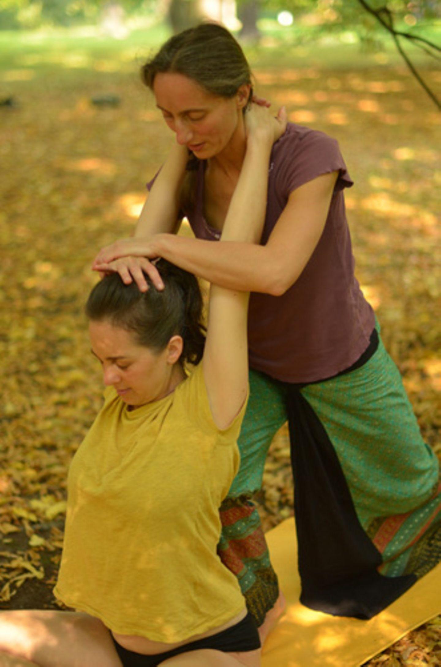 Wie unterscheidet sie sich von der klassischen Ayurveda-Massage?