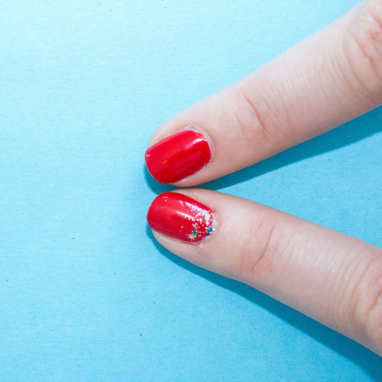 Beauty-Hacks: Gliter gegen rauswachsenden Nagellack