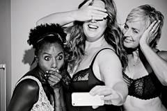 What? Hot! Sechs Frauen feiern ihre Kurven