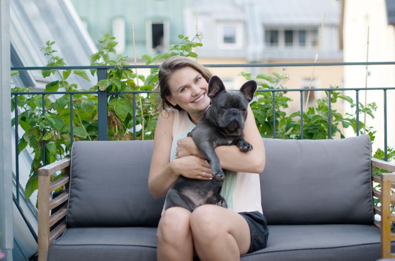 Bloggerin Olga mit ihrem Rüden Theodore aka Teddy.