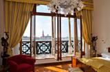 5) Auf nach Venedig! Und die Aussicht im Hotel Gabrielli Sandwirth genießen