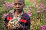"""""""Mein Traum: Irgendwann einen richtigen Ball zum Spielen zu haben."""""""