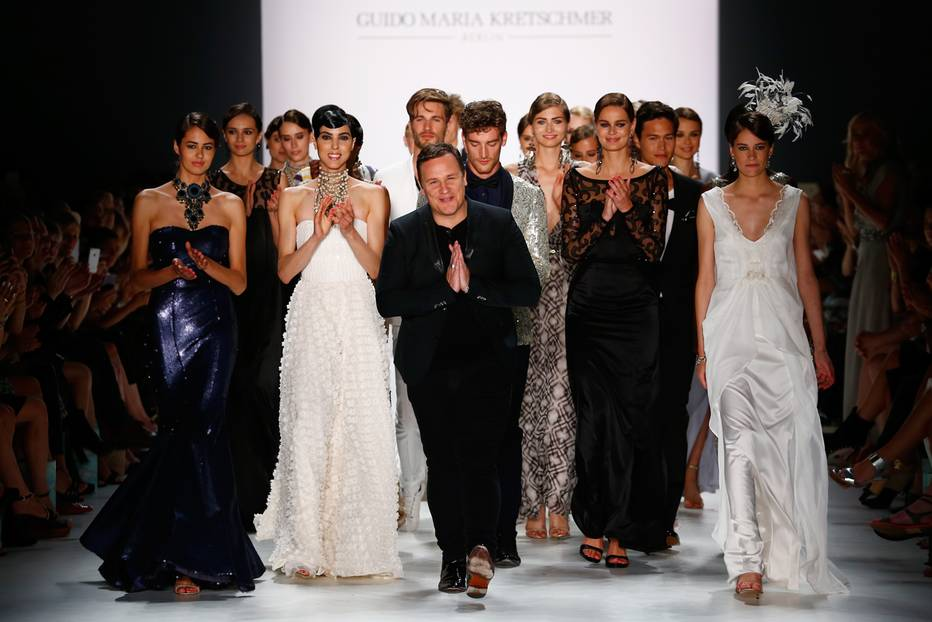 fashion week berlin guido maria kretschmer und der glamour sommer. Black Bedroom Furniture Sets. Home Design Ideas