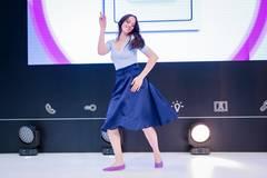 Top - H&M, Rock - Elisabetta Franchi, Schuhe - Ilse Wahl über gymhall.de