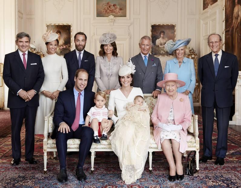 Royal Family Baby Charlottes Taufe Die Offiziellen Bilder