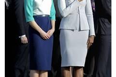 Und noch mal der Lady-Gipfel im März dieses Jahres: Samantha Cameron trägt ein Kleid von Roksanda Ilincic, Michelle Obamas weißgraues Kleid und die Jacke sind von Zac.