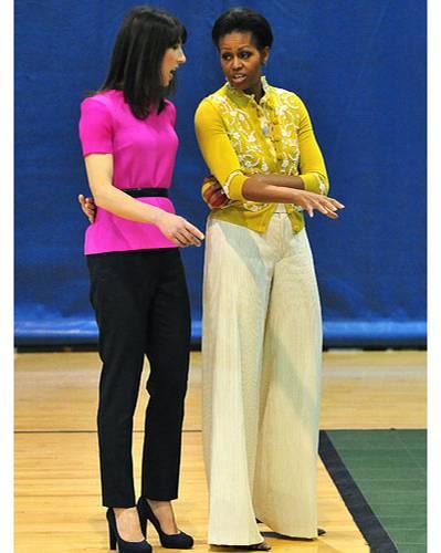 US-Wahl: Lady-Gipfel im März: Michelle Obama mit der britischen First Lady Samantha Cameron (in Roksanda Ilincic gekleidet). Die Amerikanerin trägt Cardigan und Shirt der Designerin L'Wren Scott.