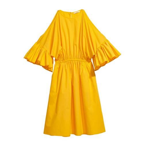 Hippie deluxe: lässig fallendes Baumwoll-Kleid mit Taillenband und weiten Ärmeln von H&M, um 25 Euro.