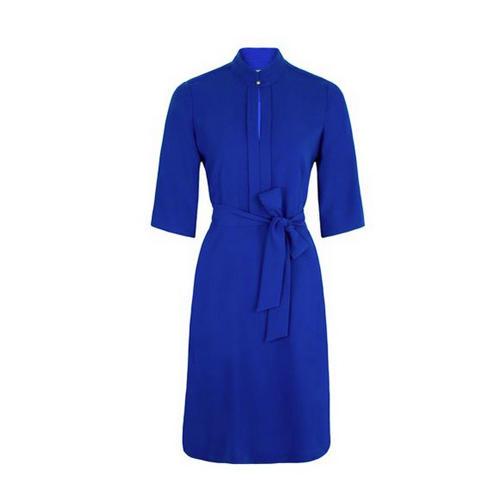 Blaues Kleid mit Schnürung
