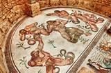Die Villa Romana del Casale im Süden der Insel gehört zum Welterbe der UNESCO - vor allem wegen ihrer großflächigen Bodenmosaiken.
