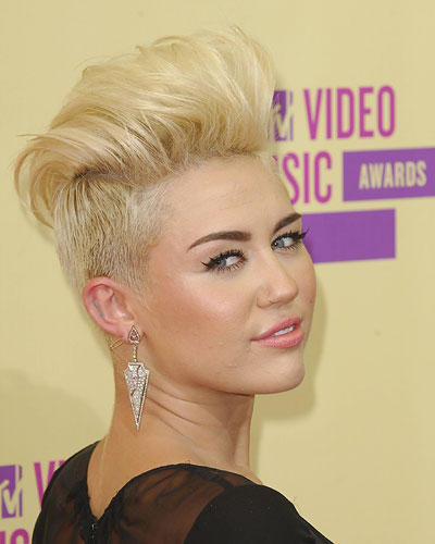 Undercut-Frisuren: Miley Cyrus