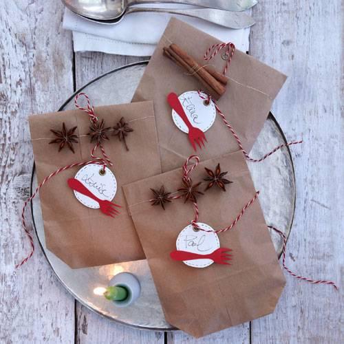 Tischdeko weihnachtsfeier basteln  Tischdeko zu Weihnachten - einfach selber machen | BRIGITTE.de