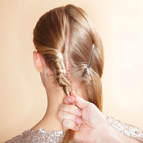 Haare aufdrehen wickeltechnik
