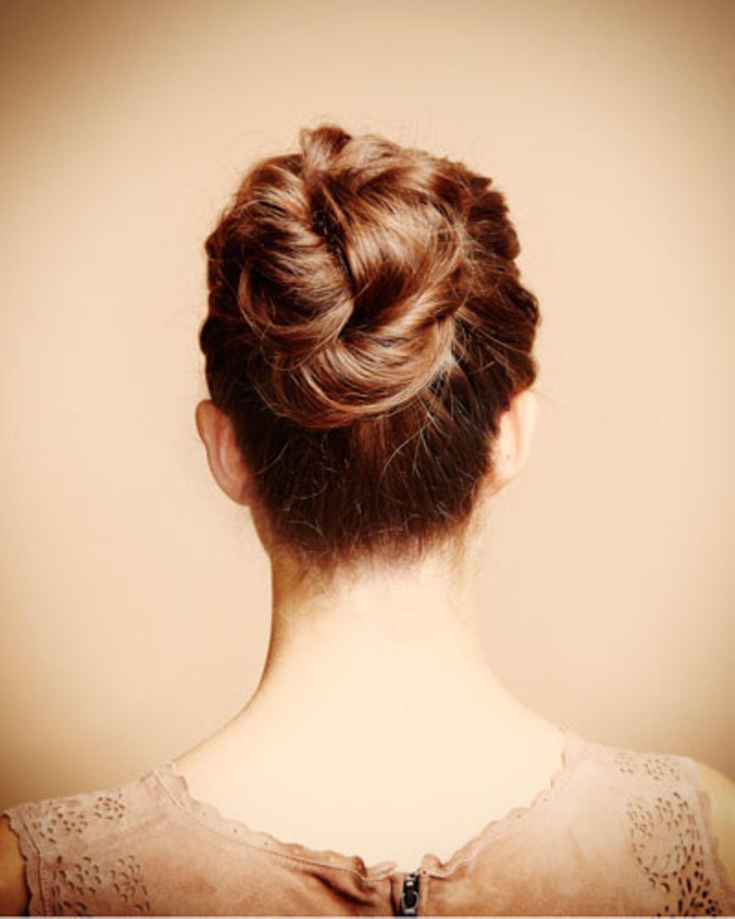 Haarstyling: Lange Haare hochstecken? Kein Problem