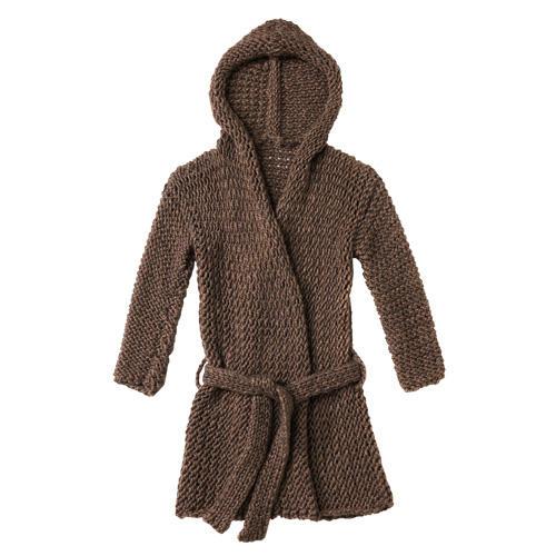 Die grobmaschige Jacke mit Bindegürtel ist einfach verschränkt gestrickt und so bequem, dass man in ihr wohnen möchte! Zur Strickanleitung: Kapuzenjacke stricken