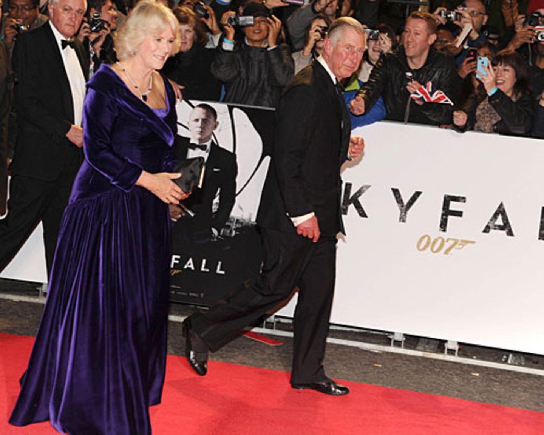 """Stars auf der Premiere von """"Skyfall"""": Camilla und Charles"""