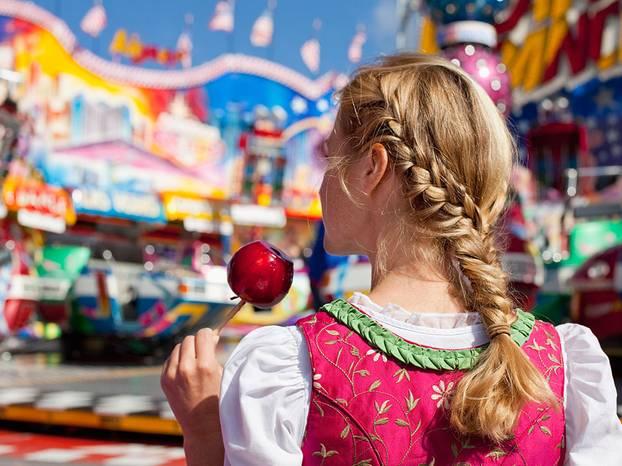Oktoberfest Frisuren Die Schönsten Dirndl Frisuren 2018 Brigittede