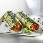 Mittagessen: Zucchiniloni mit Kürbis-Oliven-Füllung und Basilikum-Öl