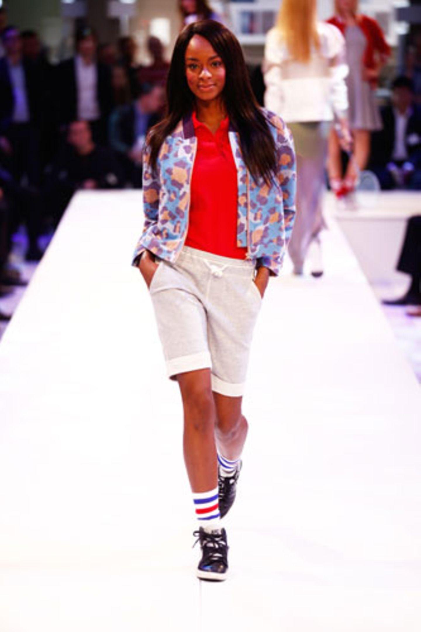 Poloshirt: Fred Perry Jacke: Eleven Paris Shorts: Marc O'Polo Socken: American Apparel Schuhe: Nike