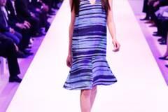 Kleid: & other Stories Schuhe: Peter Hahn