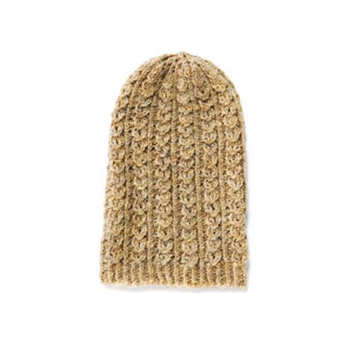 Für warme Gedanken sorgt die Mütze mit schmalem Zopfmuster aus feiner Wolle. Zur Strickanleitung: Mütze mit Zopfmuster stricken