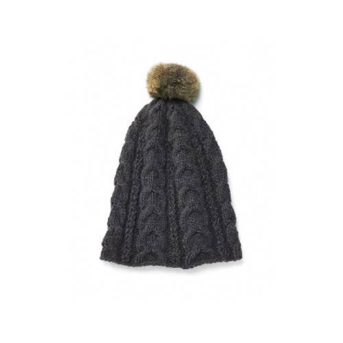 Wolle und Puschel für diese edle Mütze stammen vom neuseeländischen Possum. Zur Strickanleitung: Puschelmütze stricken