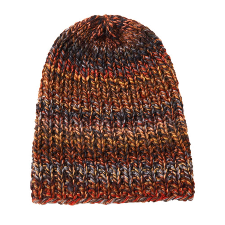 Diese bunten Rippenmützen bringen Farbe in den Winter und halten den Kopf warm. Die Wolle gibt es in drei Farbvarianten. Zur Strickanleitung: Bunte Rippenmütze stricken