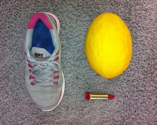 Turnschuh, Melone, Lippenstift